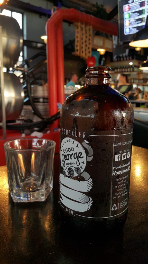 ニュージーランド ハミルトン グッドネイバー 水のボトル