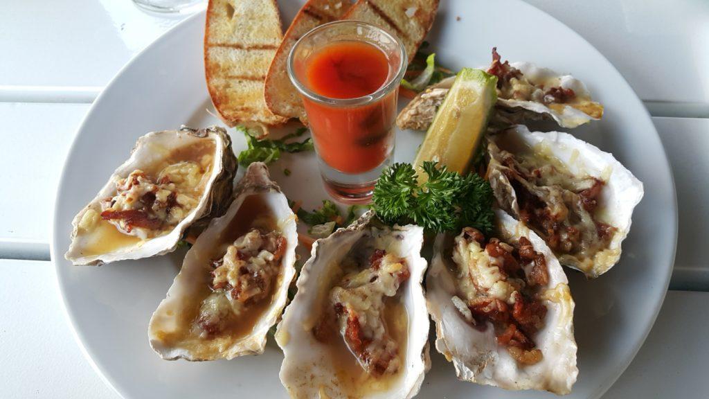 フィジーデナラウ港 レストラン ルル 牡蠣