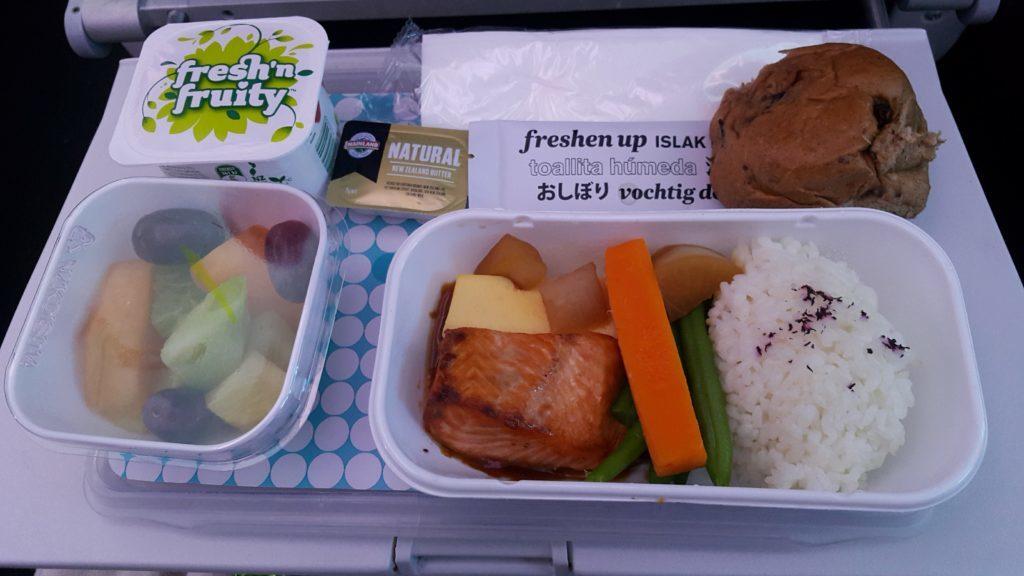 ニュージーランド航空 日本直行便 機内食 和食朝食 サーモン