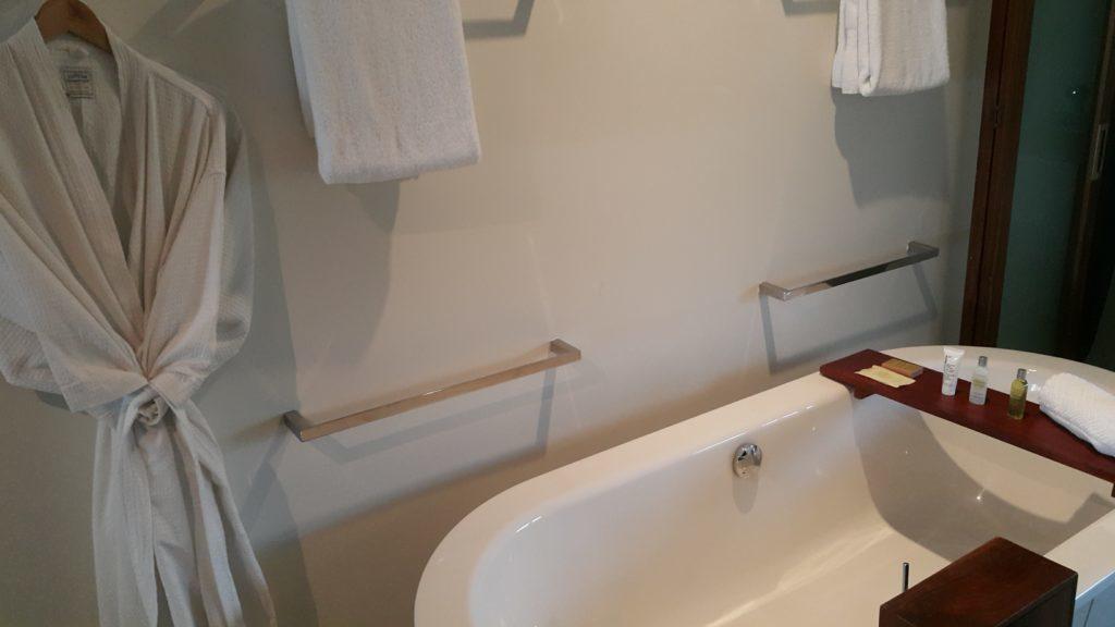 ヒルトン フィジー 部屋 バスルーム