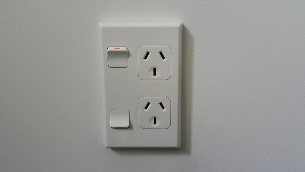 ニュージーランド 電気コンセント
