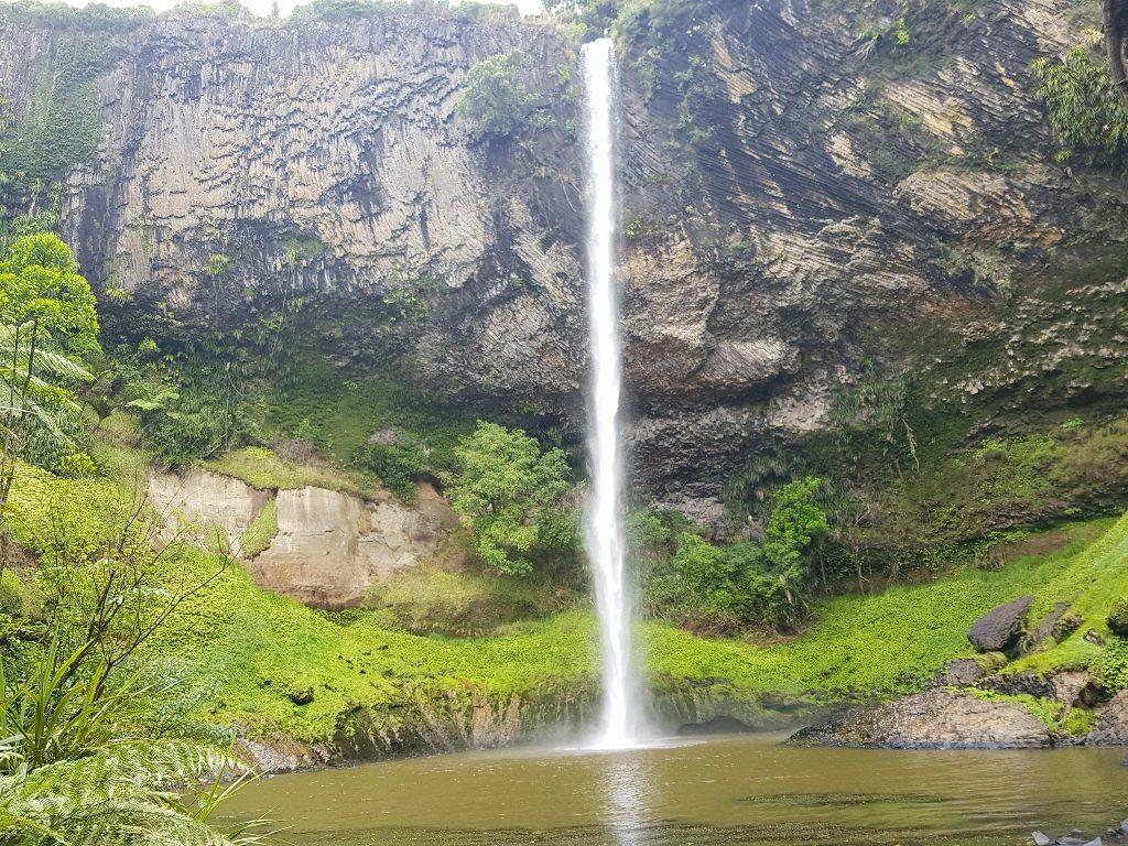 ラグラン 花嫁のベール滝